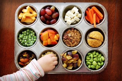 Picky eaters try new foods