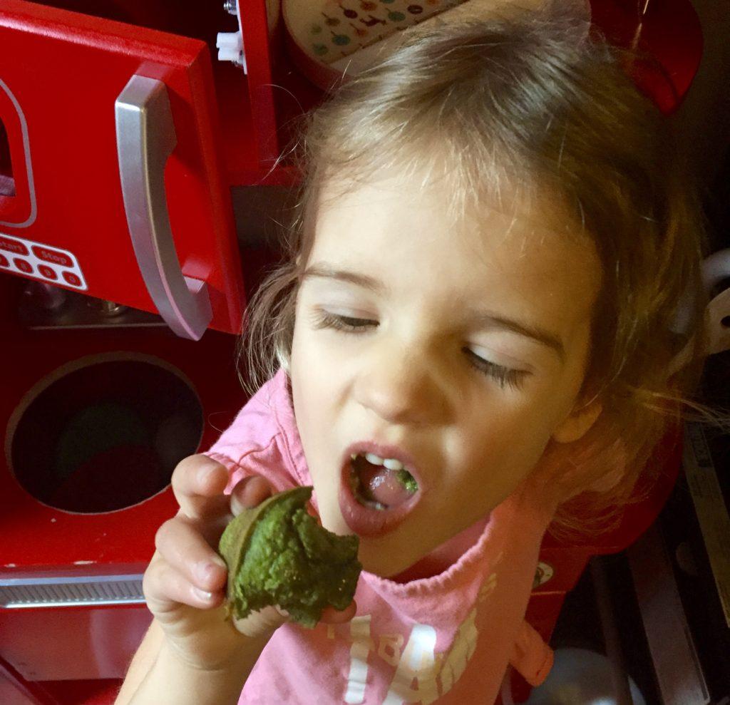 Gluten-free green spinach muffins